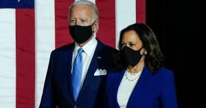 El presidente Biden decretará cinco días de luto para honrar a las víctimas del COVID-19