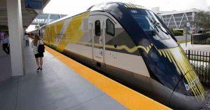 Peatón atropellado por un tren SunRail en Orlando
