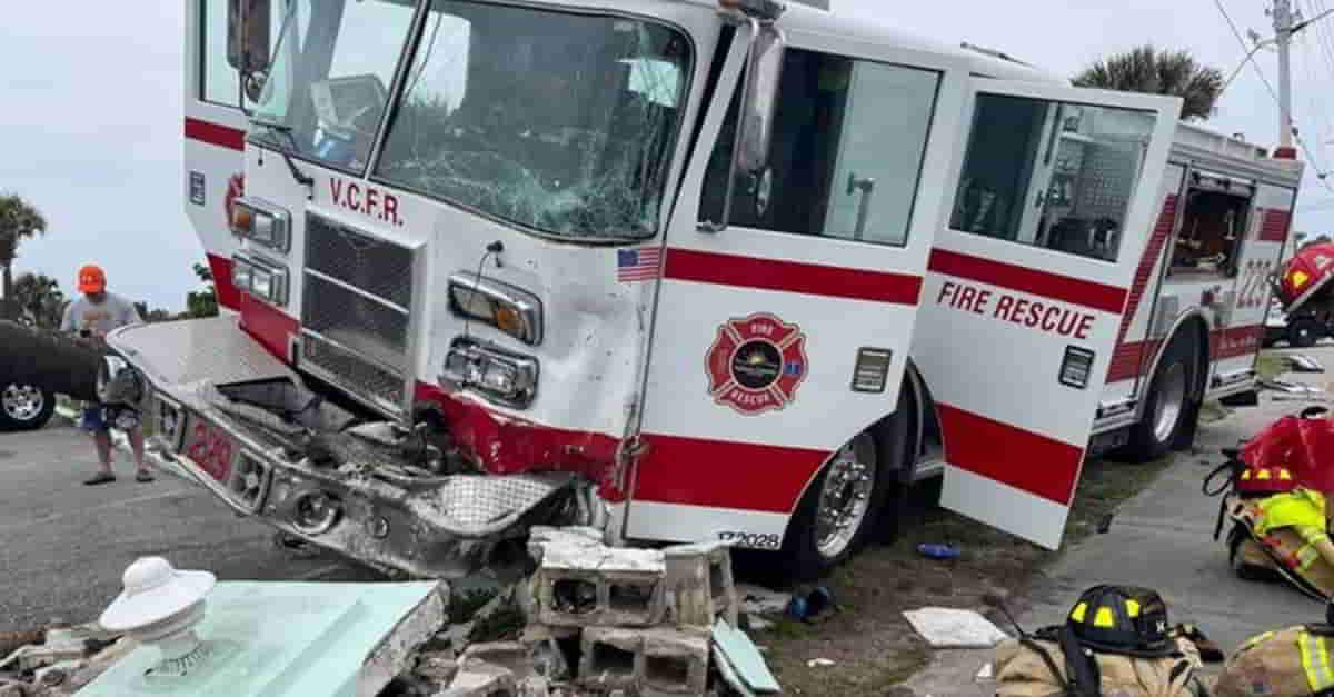 Agresivo conductor choca contra los bomberos