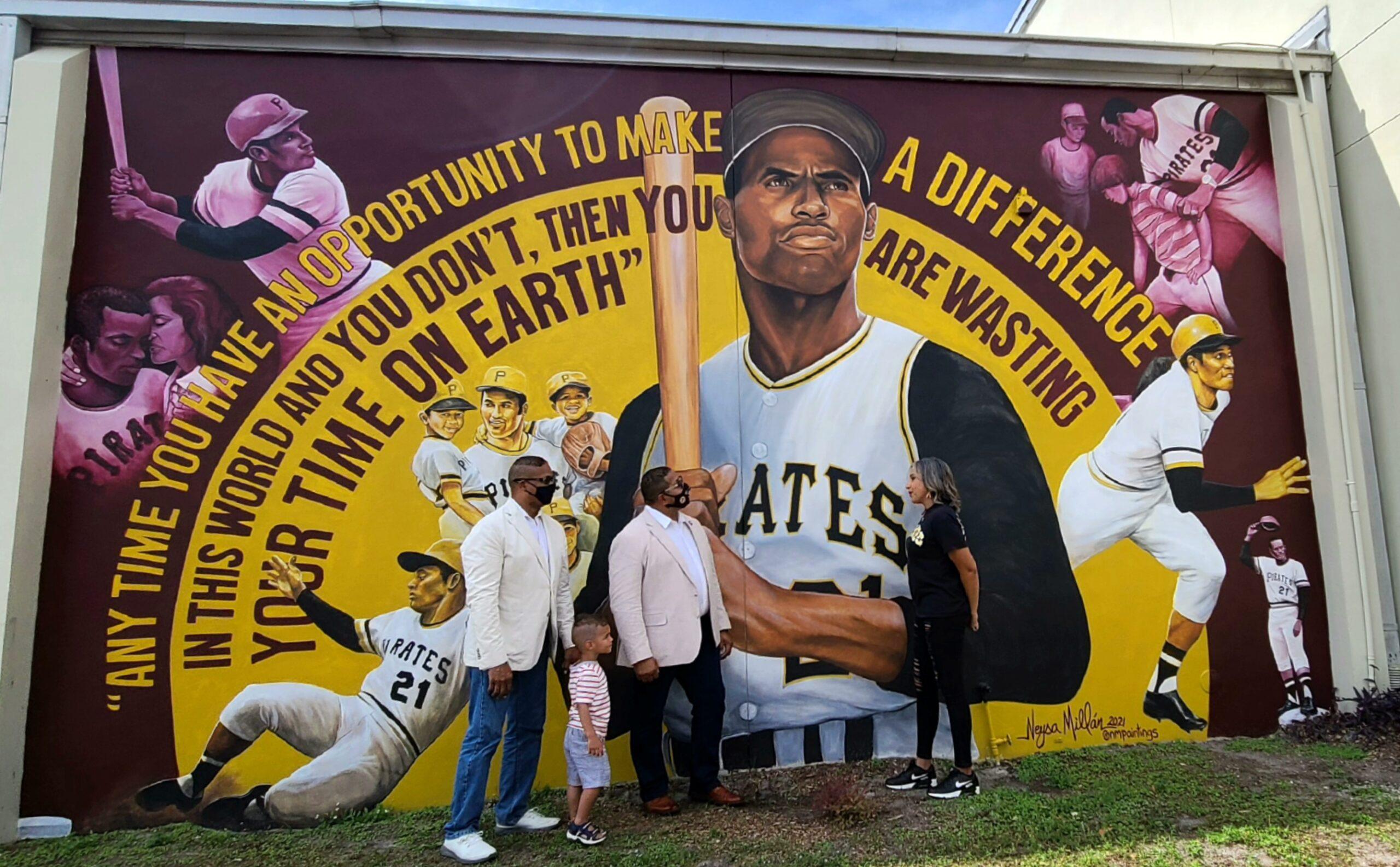 Los hijos de Roberto Clemente visitan escuela de Orlando nombrada en honor a su padre