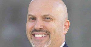 Florida y su bonificación a maestros y directores