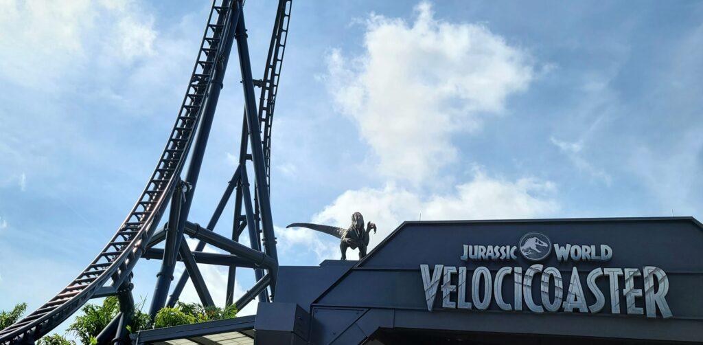 Crónica de un encuentro cercano con los dinosaurios del VelociCoaster de Universal Orlando