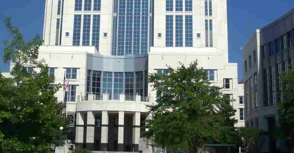 Muere mujer por balacera del Condado Orange