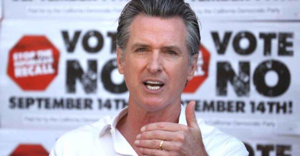 Latinos y sindicatos apoyan al gobernador Newsom contra destitución