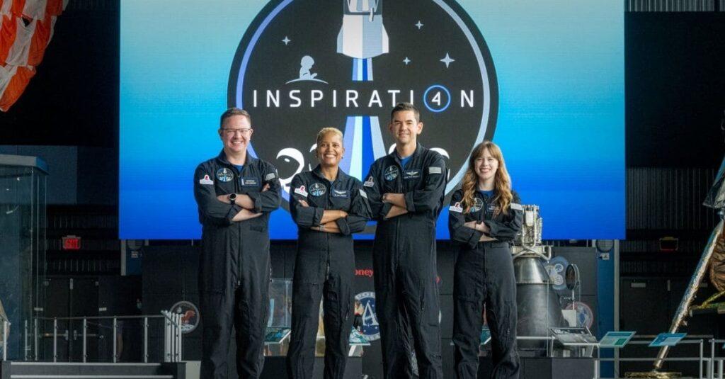 Misión civil espacial